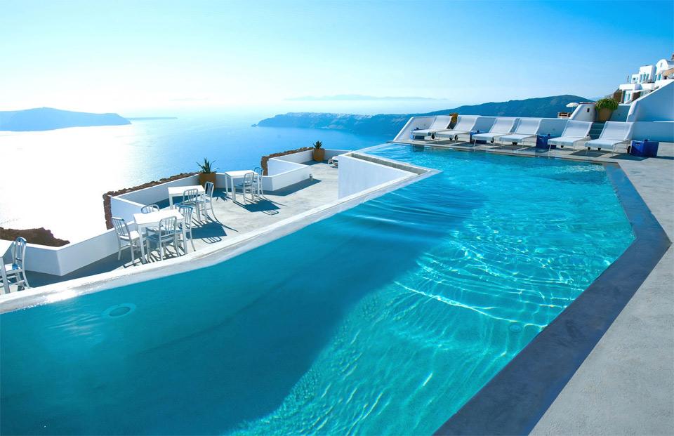 hotel-in-santorini-greece